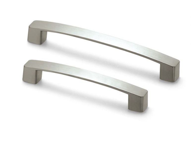Kitchen cabinet handles casual cottage for Kitchen cabinets handles